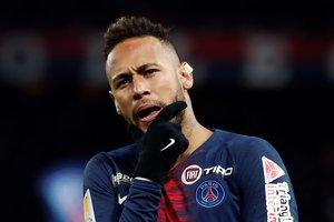 PR01. PARÍS (FRANCE), 09/01/2019.- Neymar del París Saint Germain celebra luego de anotar durante un partido por los cuartos de final de liga francesa hoy, en el estadio Parc des Princes, en París (Francia). EFE/ETIENNE LAURENT