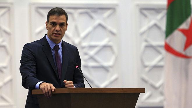 El presidente del Gobierno, Pedro Sánchez, defiende desde Argel que hay que poner todas las medidas encima de la mesa para contener el avance del covid-19 en la Comunidad de Madrid.