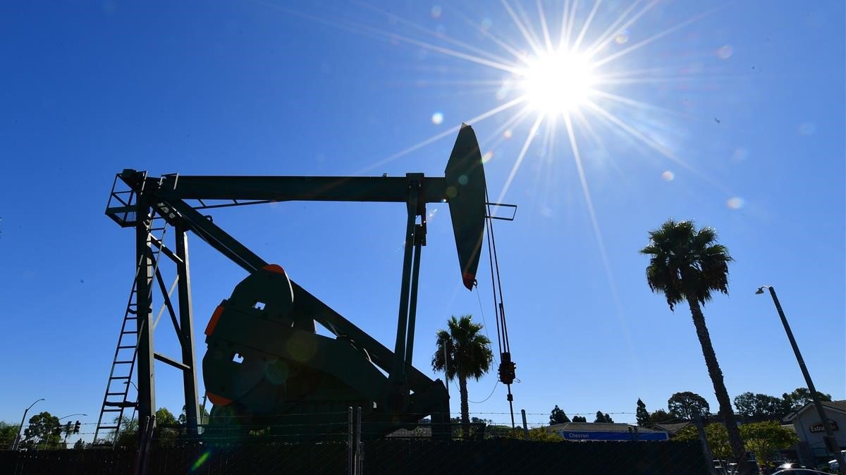 Pozos petrolíferos en California.