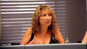 La presidenta de la UAVAT, Sara Bosch, durante una rueda de prensa.