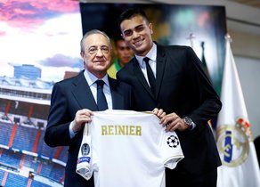 Soccer Football - Real Madrid unveil Reinier - Santiago Bernabeu, Madrid, Spain - February 18, 2020 Real Madrid president Florentino Perez and Reinier pose with shirt during the press conference REUTERS/Juan Medina