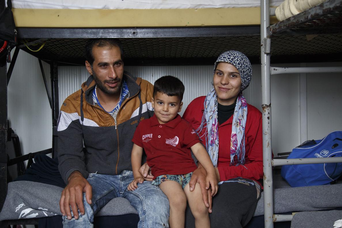 Saida y Mohammed con Adan, uno de sus hijos.
