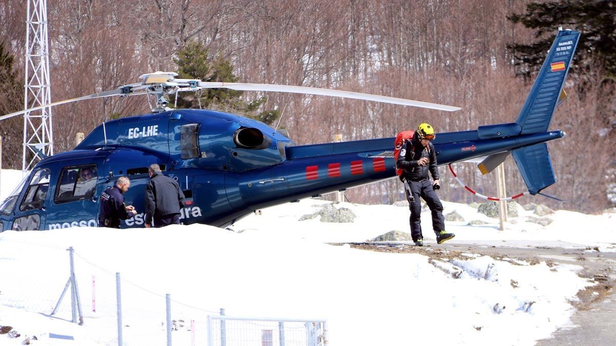 Servicios de rescate en la zona cercana ala Vall de Conangles en la Vall dAran.