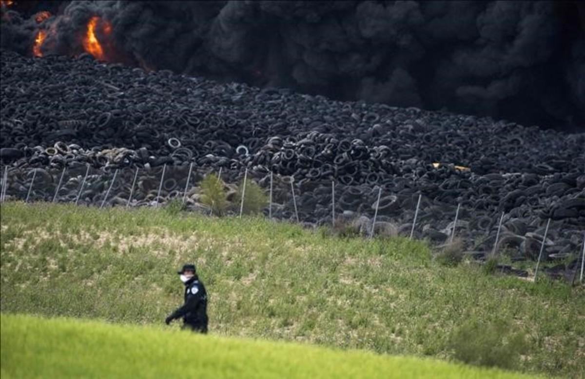 Incendio en el cementerio de neumáticos de Seseña