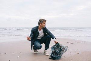 La startup See2Sea convierte el plástico de los océanos en gafas