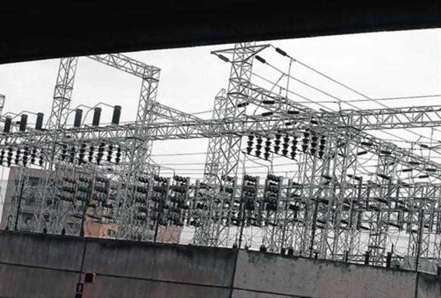 Tendido eléctrico de Endesa en Barcelona.