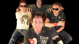 The Buzzcocks, con Pete Shelley en primer plano