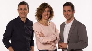 Helena Garcia Melero, Francesc Soria y Lluís Marquina, presentadores del magacín de TV-3 Tot es mou.