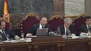 El tribunal que juzga a los políticos independentistas, en la sesión del 9 de abril.