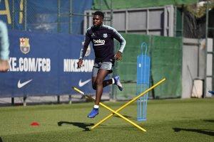 Umtiti, durante el entrenamiento azulgrana del jueves 1 de noviembre.