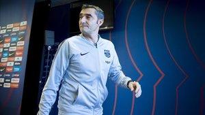 Valverde abandona la sala de prensa de Sant Joan Despí, este viernes.