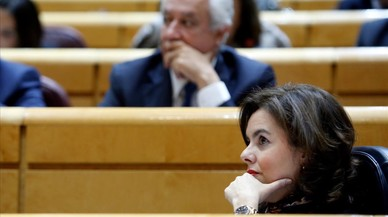 Rajoy teme abrir la puerta a referéndums si toca la Constitución
