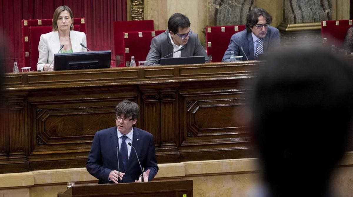 Puigdemont, durante su intervención en el pleno.