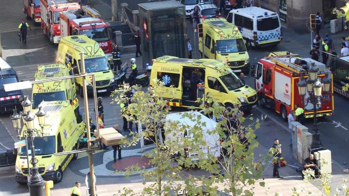 Ambulancias en la zona del atentado.