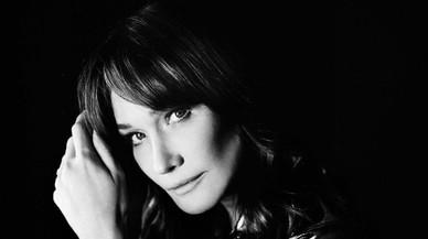 Carla Bruni: la cantautora decorativa