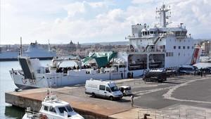 Salvini exigeix a la UE que es faci càrrec dels migrants del vaixell atracat a Catània