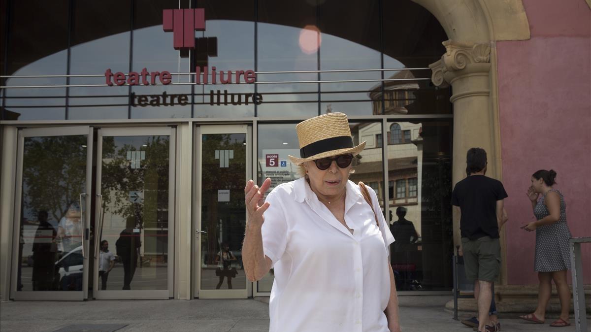 Rosa Maria Sardà, a la salida de la reunión del Patronato.