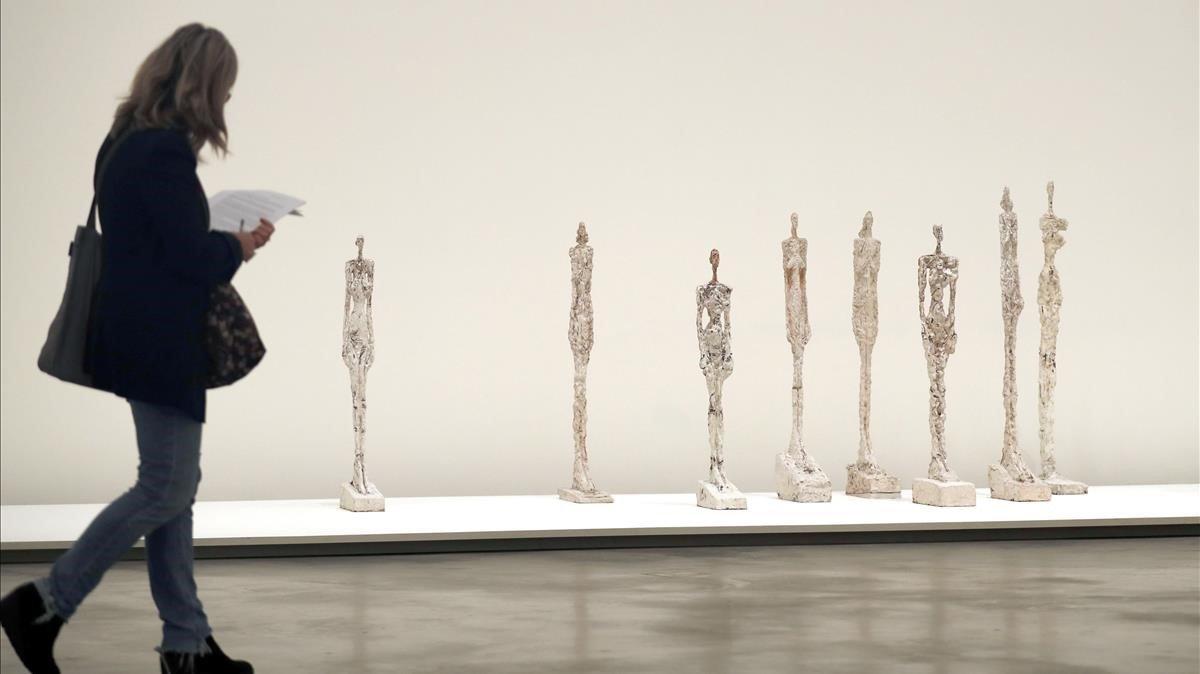 La instalación 'Mujeres de Venecia', realizada por Giacometti para la Bienal de Venecia de 1956.