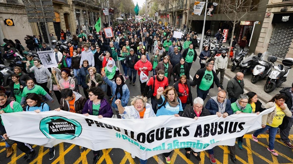 Manifestación contra la burbuja del alquiler en Barcelona.
