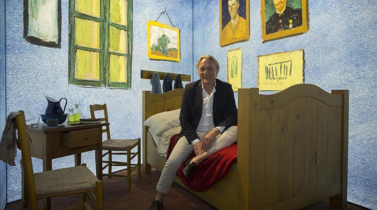 """Vincent Willem Van Gogh: """"Pinté tres óleos y mi mujer los metió en el sótano"""""""