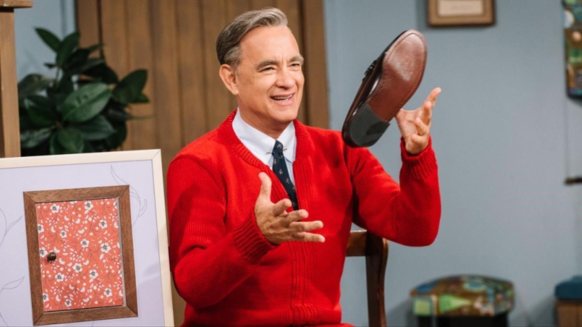 Tom Hanks, en el papel del presentador televisión Fred Rogers.