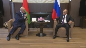 Lukaixenko jura com a president en secret enmig de l'onada de protestes