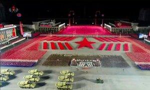 Pyongyang celebra el 75è aniversari del seu partit amb una desfilada militar nocturna