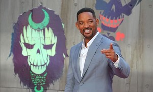 aabella34910989 us actor will smith poses as he arrives to attend the europe160803211751