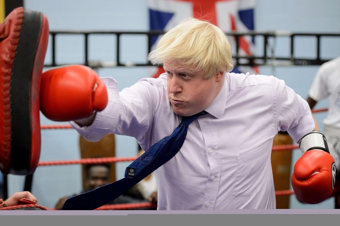 Johnson practicando el boxeo.