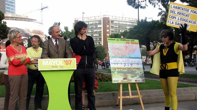 Vídeo sobre el escrache de Ada Colau a un acto de campaña de Imma Mayol, en las muncipales del 2007.
