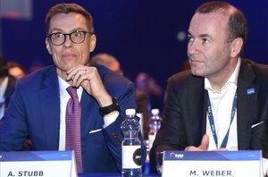 Alexander Stubb y Manfred Weber, durante el Congreso del PPE en Helsinki.