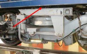 Uno de los puntos de los trenes que una circular interna de Metro de Madrid señala como lugar de detección de pintura bituminosa fabricada con amianto.