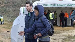 Ana Julia Quezada, junto a Ángel Cruz, padre de Gabriel, durante la búsqueda del pequeño.