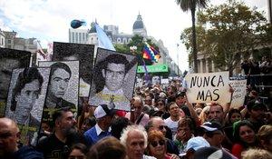 Marchas y protestas en Argentina en aniversario de la dictadura militar.