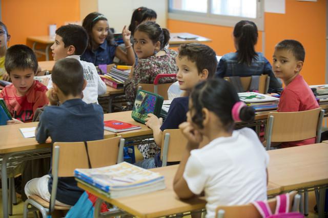 Un aula de un colegio de Tortosa.