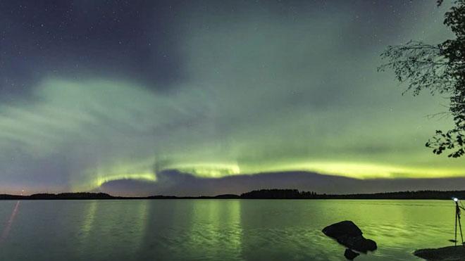 Timelapse de una aurora boreal en forma de duna