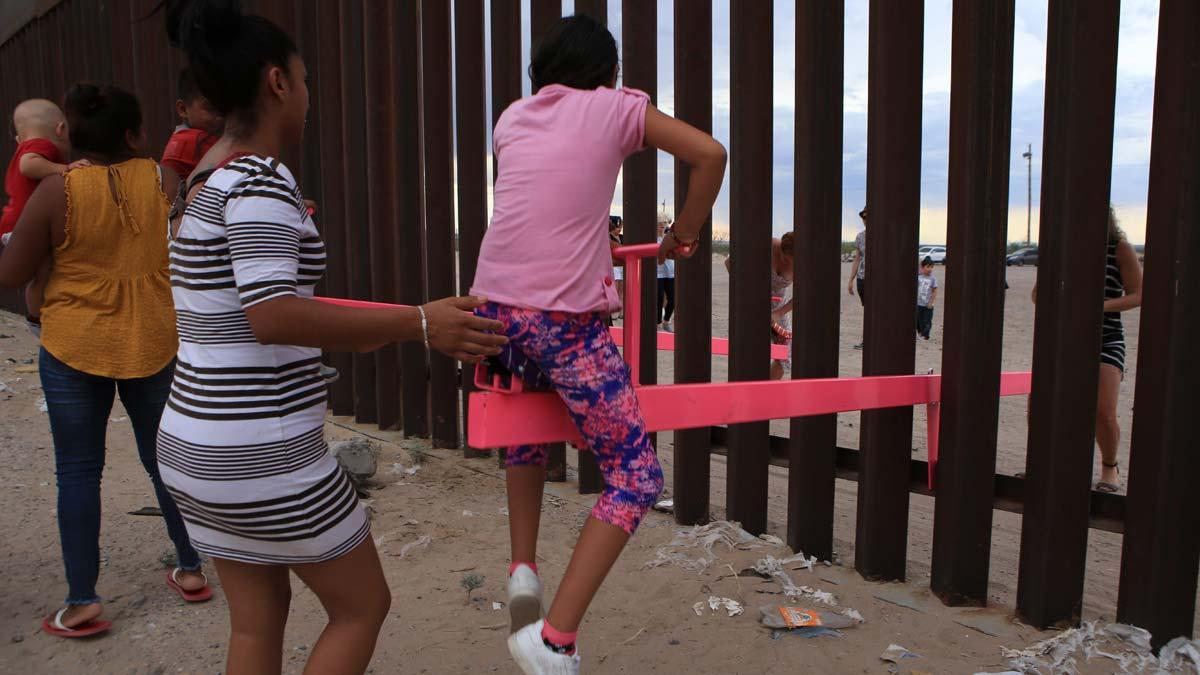 Balancines para la integración en el muro de México.