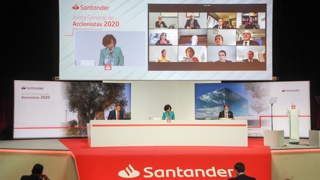 Banco Santander pierde 9.048 millones de euros a septiembre por las provisiones. En la foto, imagen de la Junta general de accionistas 2020, presidida por Ana Botín.