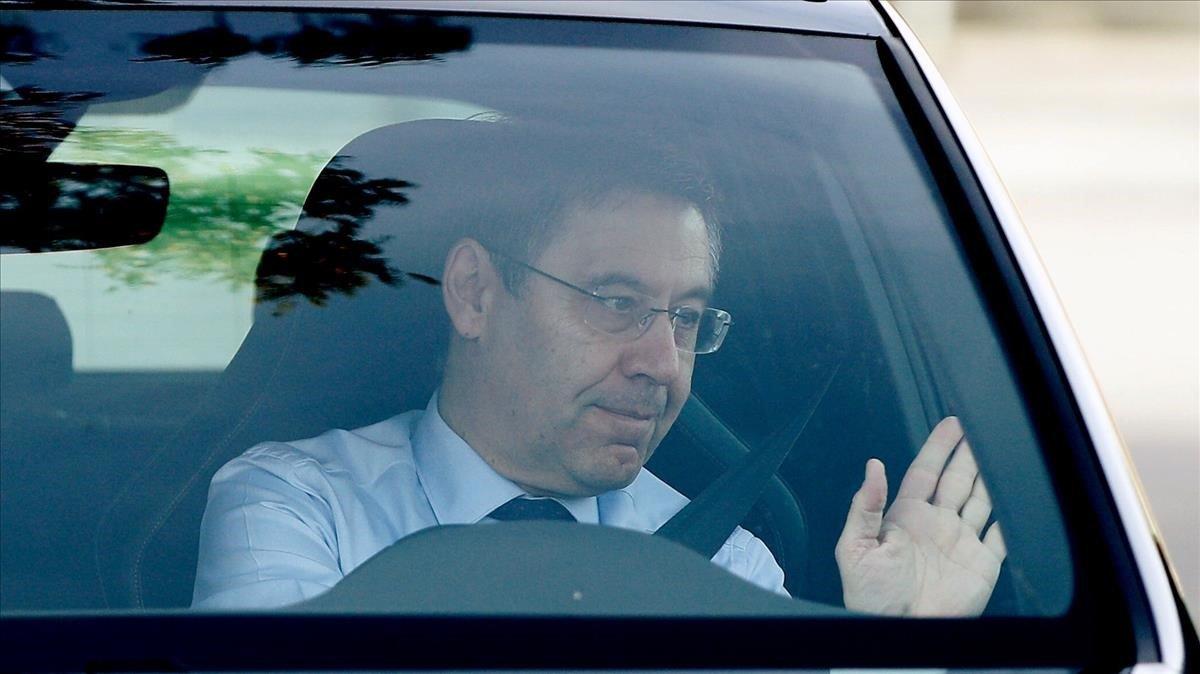 Bartomeu, a su llegada a la ciudad deportiva de Sant Joan Despí para reunirse con Valverde.