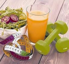 HÁBITOS SALUDABLES. Frutas, verduras y ejercicio para recuperarse de los excesos navideños.