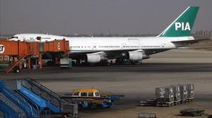 Un Boeing PK-274 de la PIA, a punto de volar a Bombay desde Karachi, en el 2014.