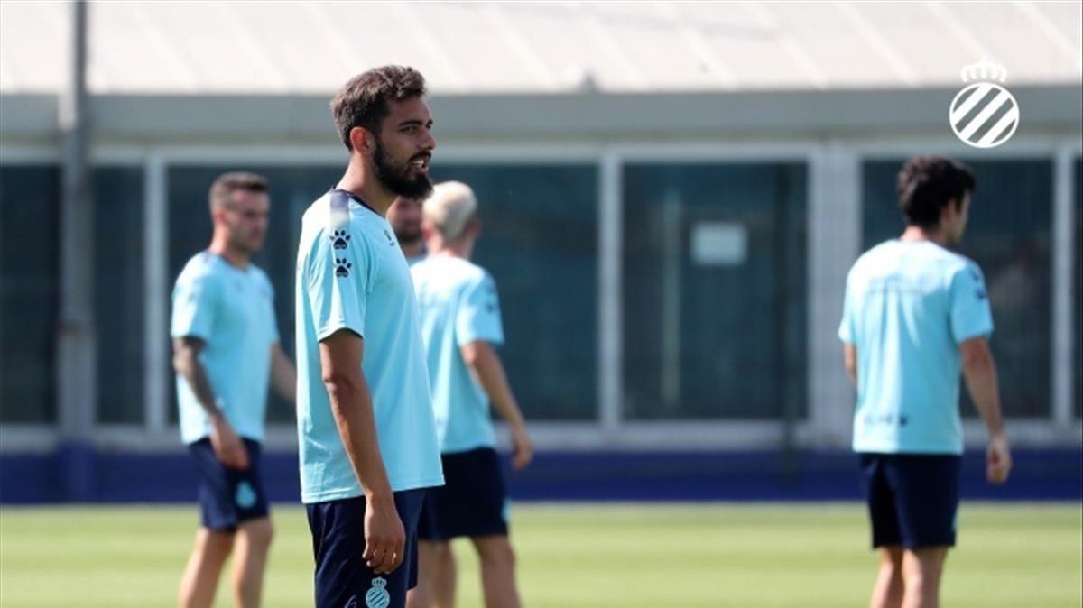 Borja Iglesias, en el entrenamiento del Espanyol.