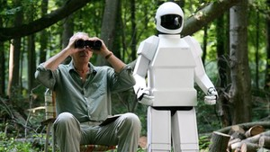 Fotograma de Robot and Frank (2012), una película en que los androides han sido programados para cuidar de personas mayores en riesgo de exclusión