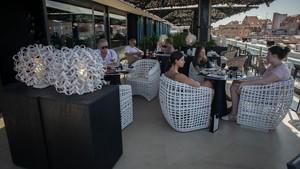 Terraza del café Alaire, en el hotel Condes de Barcelona, el pasado viernes.