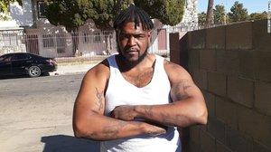 Kizzee tenía un historial con varios delitos previos y estaba infringiendo una orden que le impedía poseer armas de fuego.