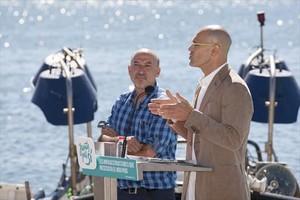 Els candidats de Junts pel Sí Germà Bel i Raül Romeva, ahir al port de Tarragona.