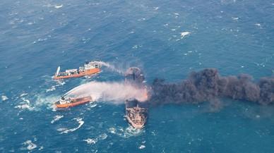El vertido del petrolero 'Sanchi' amenaza ya a Corea del Sur y Japón