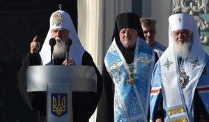 Filaret (izquierda), patriarca de la Iglesia Ortodoxa de Ucrania.