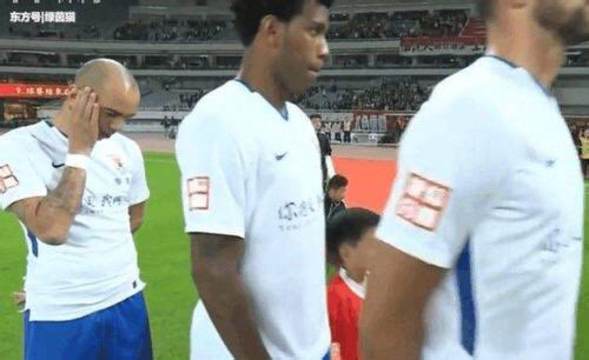 A la Xina imposen un partit de càstig a un jugador per haver acotat el cap durant l'himne