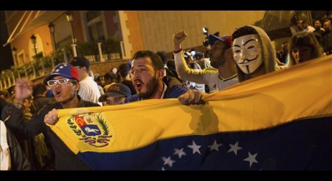 Crónica del derrumbe anunciado del chavismo
